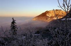 Montagna della Savoia di Revard e mare delle nubi Fotografia Stock