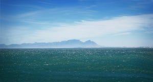 Montagna della Tabella dalla baia di Gordons Fotografia Stock
