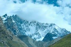 Montagna delle alpi di estate Immagini Stock