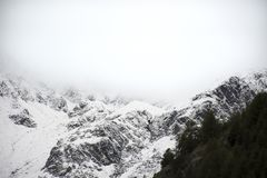Montagna delle alpi di Otztal nella città di Senales a Bolzano, Austria Immagine Stock