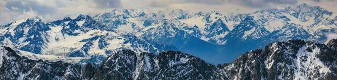 Montagna delle alpi di panorama Immagini Stock Libere da Diritti