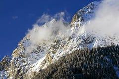 Montagna dello Snowy Fotografia Stock Libera da Diritti
