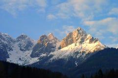 Montagna dello Snowy Immagine Stock