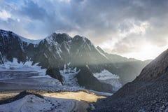 Montagna di Belukha al tramonto Altai, Russia Fotografie Stock Libere da Diritti