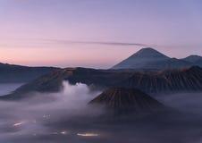 Montagna di Bromo ad alba l'indonesia Fotografie Stock