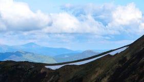 Montagna di Carpathians nel tempo di primavera Fotografie Stock Libere da Diritti