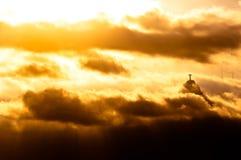 Montagna di Corcovado con Cristo la statua del redentore Fotografia Stock Libera da Diritti