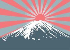 Montagna di Fuji con lustro del sole sul picco fotografia stock