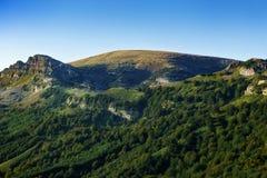 Montagna di Gorbea e picco di Aldamin di estate Fotografia Stock Libera da Diritti