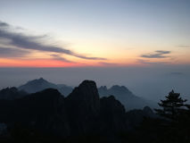 Montagna di Huangshan ad alba Fotografia Stock Libera da Diritti