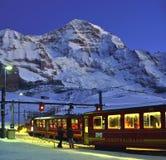 Montagna di Jungfrau e di Jungfraubahn Fotografie Stock Libere da Diritti