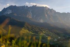 Montagna di Kinabalu, più alta montagna in Malesia in una mattina, BO Immagini Stock