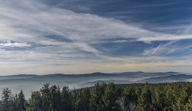 Montagna di Klet nel giorno soleggiato di inverno Immagini Stock