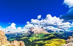Montagna di Marmolada nelle alpi del Tirolo del sud Immagini Stock