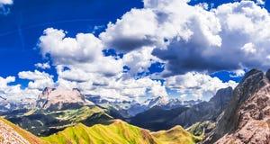 Montagna di Marmolada nelle alpi del Tirolo del sud Immagine Stock