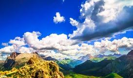 Montagna di Marmolada nelle alpi del Tirolo del sud Fotografie Stock