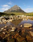Montagna di MOR di Buachaille Etive   fotografie stock