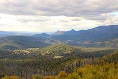 montagna di paesaggio pittoresca Fotografia Stock
