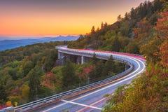 Montagna di prima generazione, Nord Carolina, U.S.A. a Linn Cove Viaduct immagini stock libere da diritti