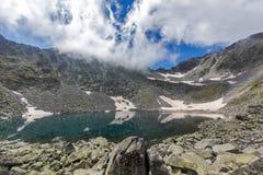 Montagna di Rila, lago Ledenoto (ghiaccio) Fotografia Stock Libera da Diritti