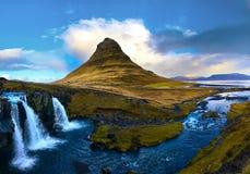 Montagna di stordimento Kirkjufell in Islanda Fotografia Stock Libera da Diritti