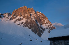 Montagna di Sulzfluh in alpi svizzere in inverno Immagine Stock