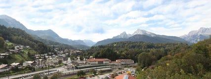 Montagna di Watzman e di Berchtesgaden Fotografia Stock Libera da Diritti