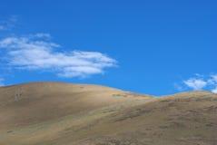 Montagna e cielo Immagini Stock