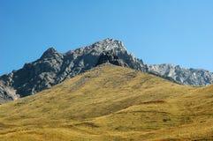 Montagna e cielo Fotografie Stock