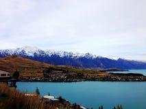 Montagna e lago Fotografia Stock Libera da Diritti