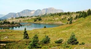 Montagna e lago Fotografie Stock
