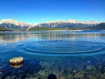 Montagna e lago Fotografia Stock