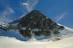 Montagna e neve Immagine Stock