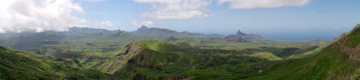 Montagna e valle Fotografia Stock Libera da Diritti