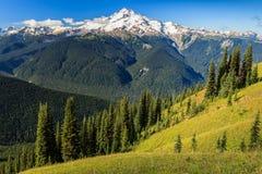 Montagna e valle Fotografie Stock Libere da Diritti