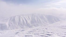 Montagna, mattina, inverno, paesaggio della neve immagine stock libera da diritti