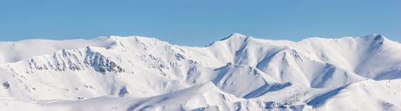 Montagna, mattina, inverno, paesaggio della neve immagini stock