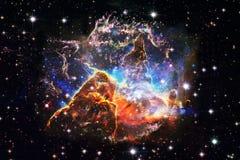 Montagna mistica nello spazio cosmico Elementi di questa immagine ammobiliati dalla NASA fotografie stock