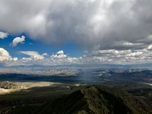 Montagna in Naryn, Kirghizistan, Asia centrale immagini stock