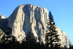 Montagna nella sosta nazionale del Yosemite Immagini Stock Libere da Diritti