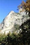 Montagna nella sosta nazionale del Yosemite Fotografia Stock
