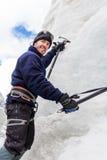 Montagna rampicante del ghiacciaio della montagna della parete del ghiaccio dell'alpinista, Bolivia Fotografia Stock