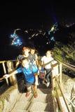 Montagna rampicante Huashan alla notte Immagini Stock