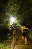 Montagna rampicante Huashan alla notte Immagine Stock