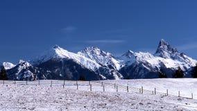 Montagna ricoperta neve Fotografia Stock Libera da Diritti