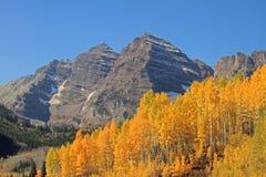 Montagna rocciosa alta Immagini Stock