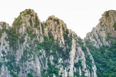 Montagna rocciosa alta di mattina Fotografie Stock