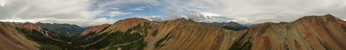 Montagna rossa nessun'del passaggio di Gulch della cavaturaccioli antenna di 1 Colorado Immagine Stock