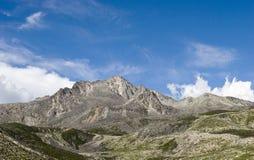 Montagna sotto il cielo 8 Immagini Stock Libere da Diritti