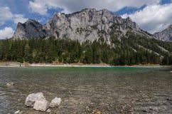 Montagna sul lago Fotografie Stock